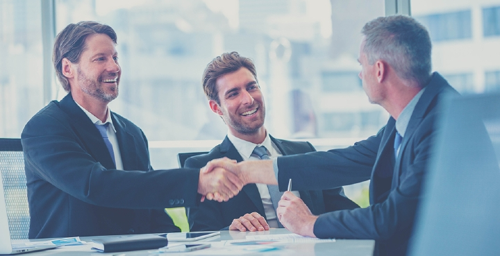 The art of customer care consists of understanding their wishes in order to retain them on their purchase journey and successfully lead them to their destination. Photo: iStock