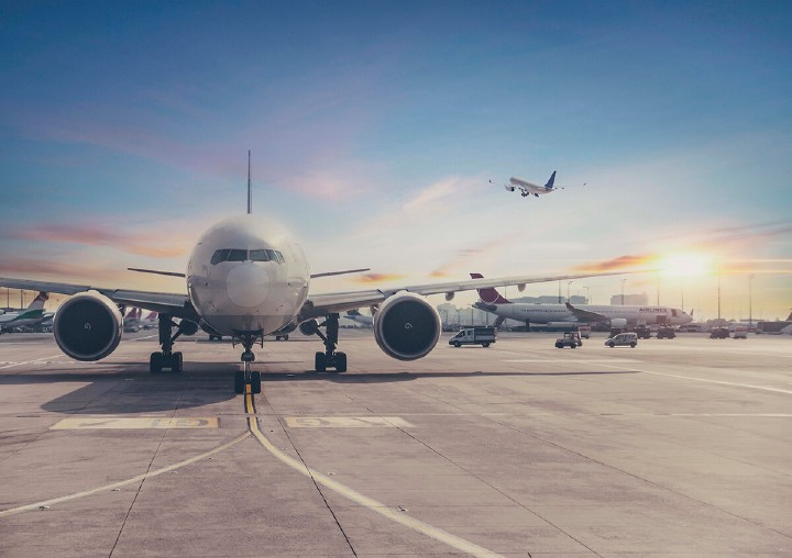 AdSigner, as an effective e-mail marketing tool of the new age, can greatly contribute to faster airline regeneration and better business results. Photo: iStock