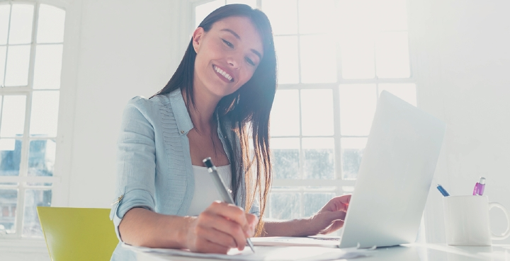Let AdSigner become your sales assistant when setting up insurance. Photo: iStock