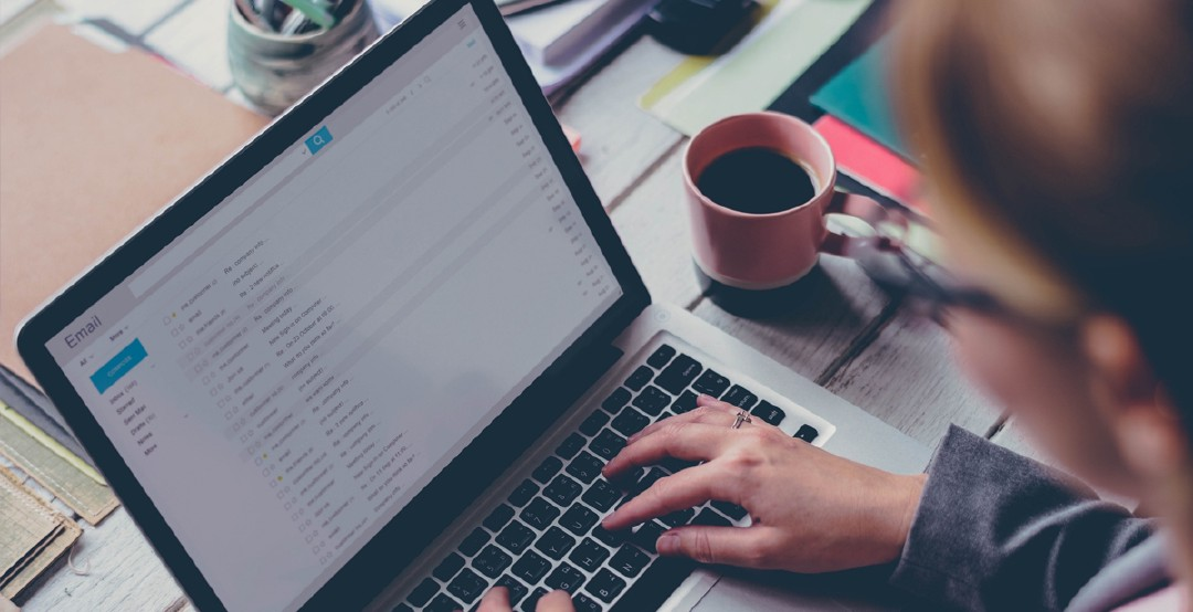 Add the trademark of your business to your employee signatures. Photo: iStock