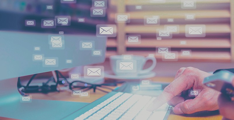 A company with 50 employees sends about 248,000 e-mails a year. Take advantage of these e-mails. Photo: iStock