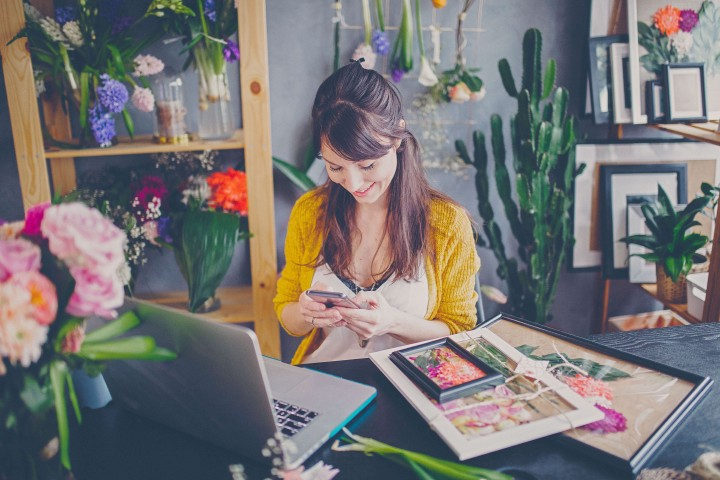 Promote your business online with AdSigner. Help protect the environment, save time and money and become more effective. Photo: iStock